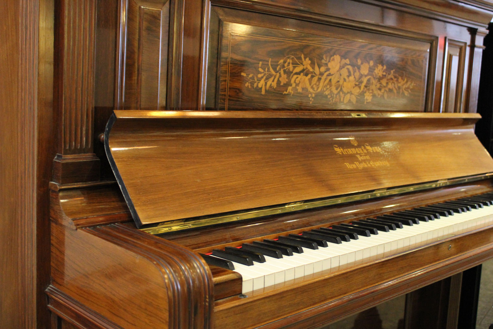 Piano droit d'occasion Steinway