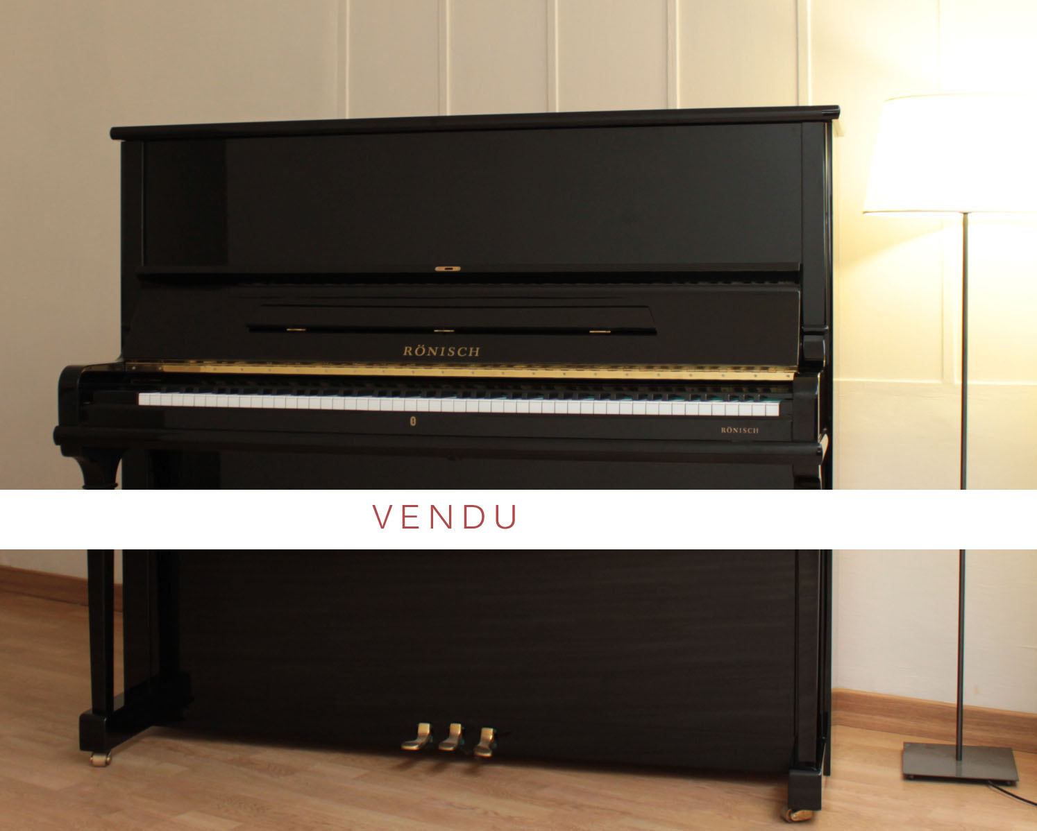 piano droit r nisch vente piano occasion achat et location de piano avignon accord de piano. Black Bedroom Furniture Sets. Home Design Ideas