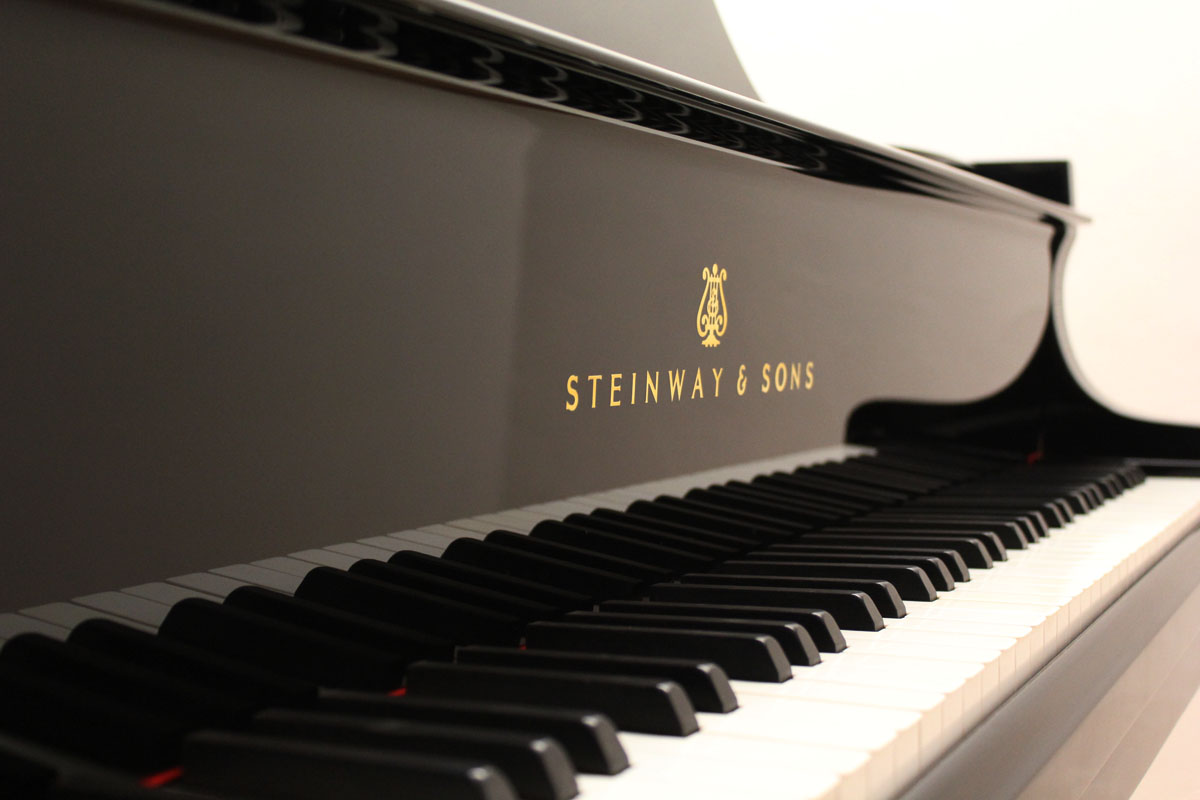 Piano d'occasion STEINWAY & SONS Orange