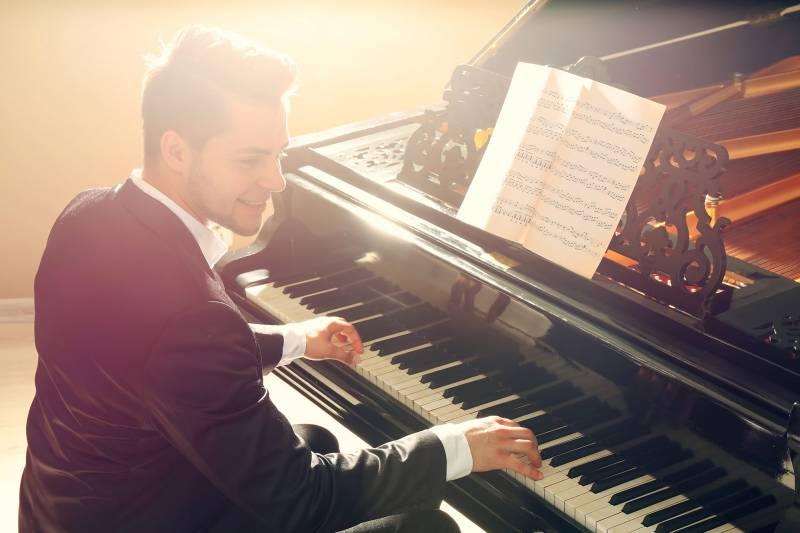 vente piano neuf avignon conseils pour choisir une marque de piano piano pulsion. Black Bedroom Furniture Sets. Home Design Ideas